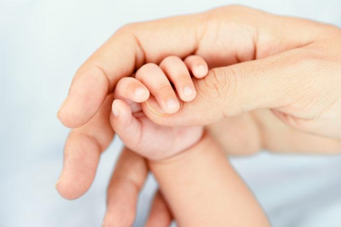 Samen Zwanger - Agent redt leven baby dankzij snelle reanimatie