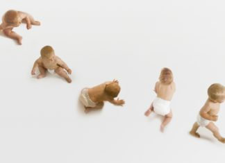Samen Zwanger - Fysieke mijlpalen Omrollen, zitten, kruipen en lopen