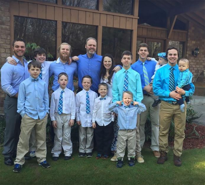 Samen Zwanger - Moeder van dertien zonen bevalt van jongetje