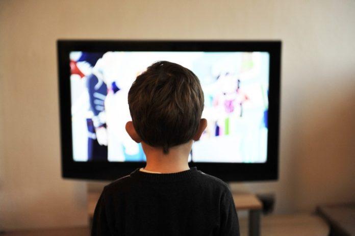 Samen Zwanger - Veel TV kijken of gamen op jonge leeftijd zorgt voor achterstand